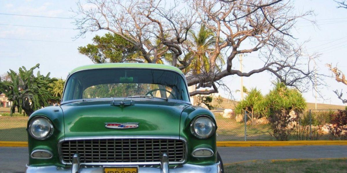 old-car-1450730.jpg